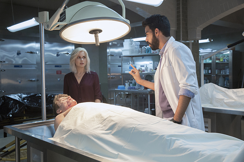 "iZombie -- ""Zombie Bro"" -- Image Number: ZMB202a_0693.jpg -- Pictured (L-R): Rose McIver as Liv and Rahul Kohli as Ravi -- Photo: Jack Rowand/The CW -- © 2015 The CW Network, LLC. All rights reserved."