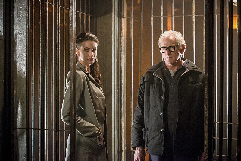 "DC's Legends of Tomorrow -- ""Fail-Safe"" -- Image LGN105b_0136b.jpg -- Pictured (L-R): Stephanie Corneliussen as Valentina Vostok and Victor Garber as Professor Martin Stein -- Photo: Diyah Pera/The CW -- © 2016 The CW Network, LLC. All Rights Reserved."