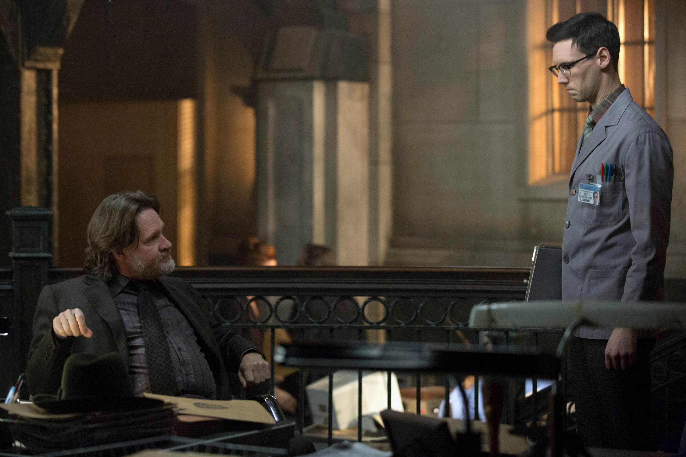 GOTHAM: L-R: Donal Logue and Cory Michael Smith in the ÒWrath of the Villains: PrisonersÓ episode of GOTHAM airing Monday, March 28 (8:00-9:01 PM ET/PT) on FOX. ©2016 Fox Broadcasting Co. Cr: Jessica Miglio/FOX