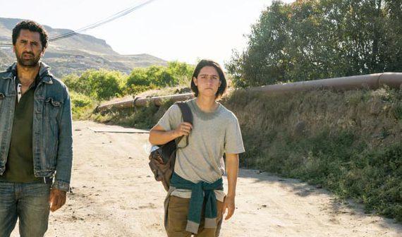Cliff Curtis as Travis Manawa, Lorenzo James Henrie as Chris Manawa - Fear The Walking Dead _ Season 2, Episode 10 -  Photo Credit: Richard Foreman Jr/AMC