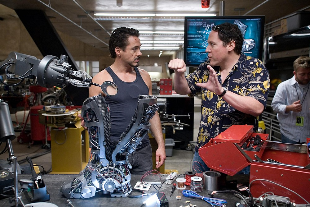 Robert-Downey-Jr-and-Jon-Favreau-on-Iron-Man