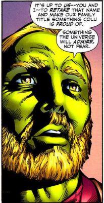 Dans la continuité, Brainiac 4 est un brillant scientifique de la planète Colu. Il avait prit pour nom Kajz Dox.